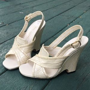 🦋 Marc Jacobs Ivory Leather Wedges